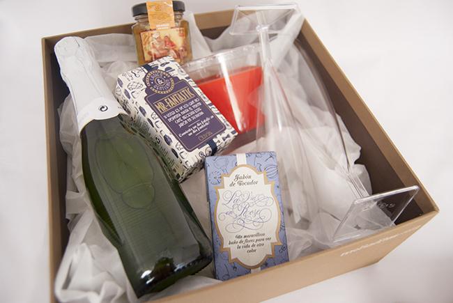 Que regalar en una boda a los novios boda for Regalos para amigas en boda