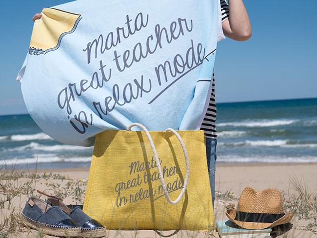 toalla-playa-regalo-maestra